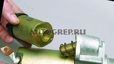 Отъединение реле стартера ВАЗ 2112